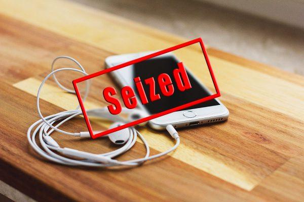 smartphone-siezures-at-us-border
